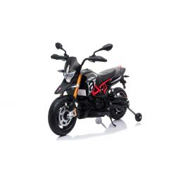 Elektromos motorkerékpár APRILIA DORSODURO 900, Eredeti liszensz, 12 V, EVA puha kerekek, 2 x 18 W motor, 12 V akkumulátor, Lengéscsillapított, fémkeret, fémvilla, segédkerekek, fekete