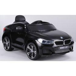 Elektromos kisautó 6GT –  Eredeti Liszensz, 2,4 GHz távirányító, Nyitható ajtók, Bőr ülés, EVA kerekek, fekete, 2 x 6V/4Ah,  2 X MOTOR, USB bemenet,  Hátsó felfüggesztés